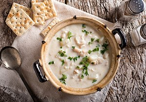 creamy soup and crackers